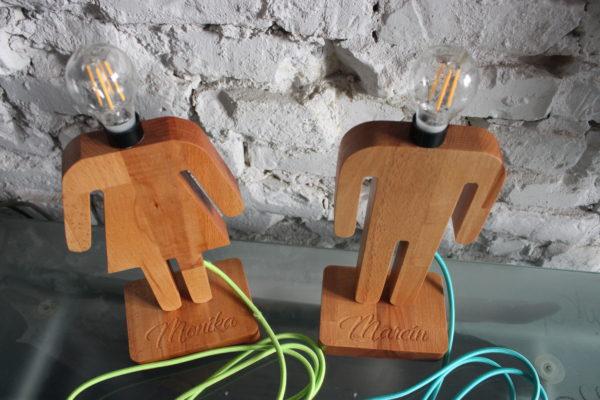 Drewniana lampka nocna 8